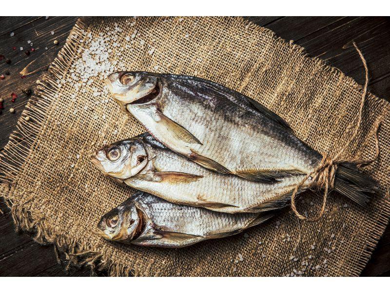 Suszona ryba - najpopularniejsza przekąska do piwa.